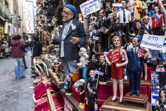 mercadillo de navidad de napoles con figuras caracteristicas