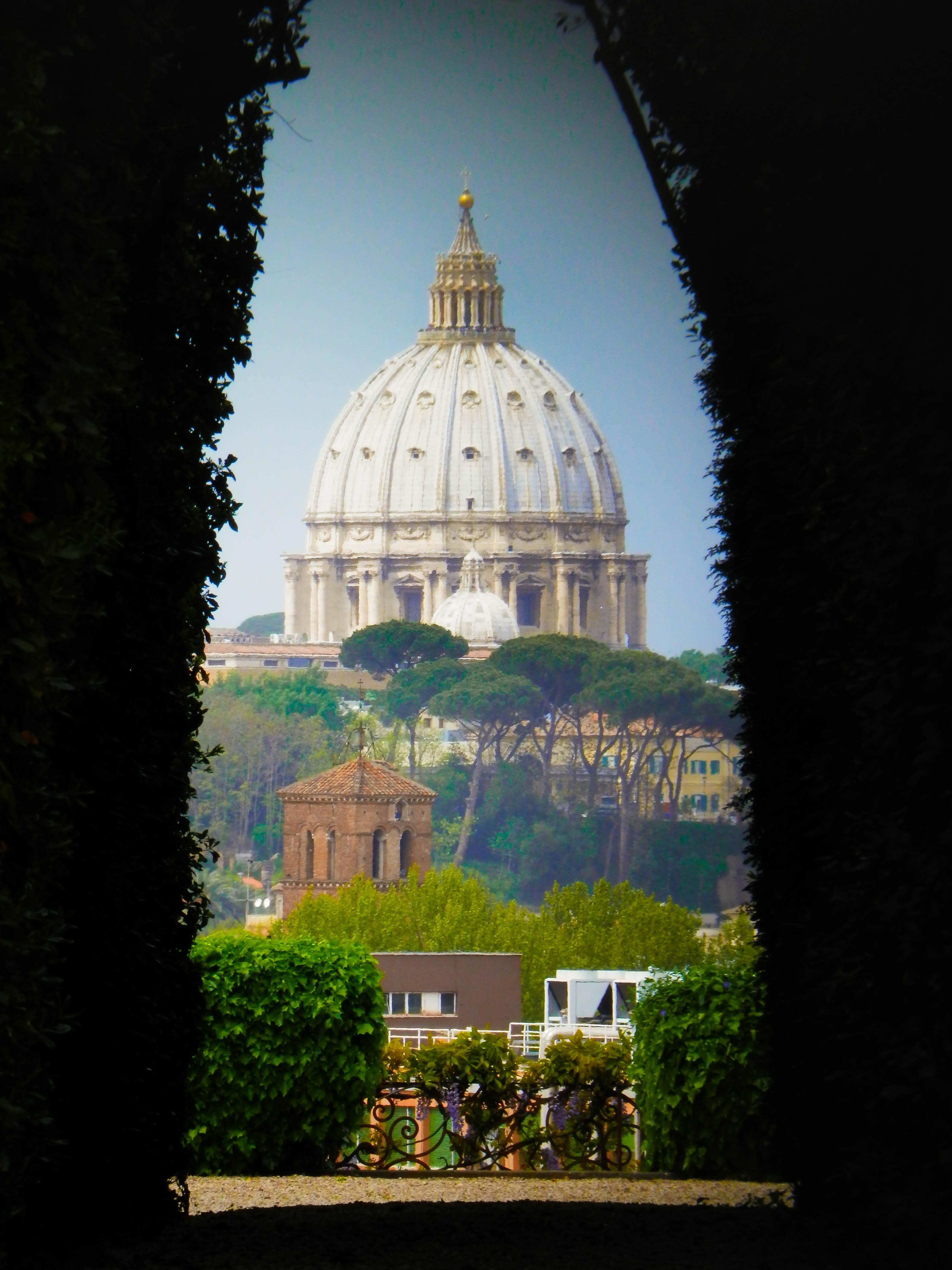 La mirilla de los caballeros de malta en roma c mo llegar - La finestra di fronte roma ...